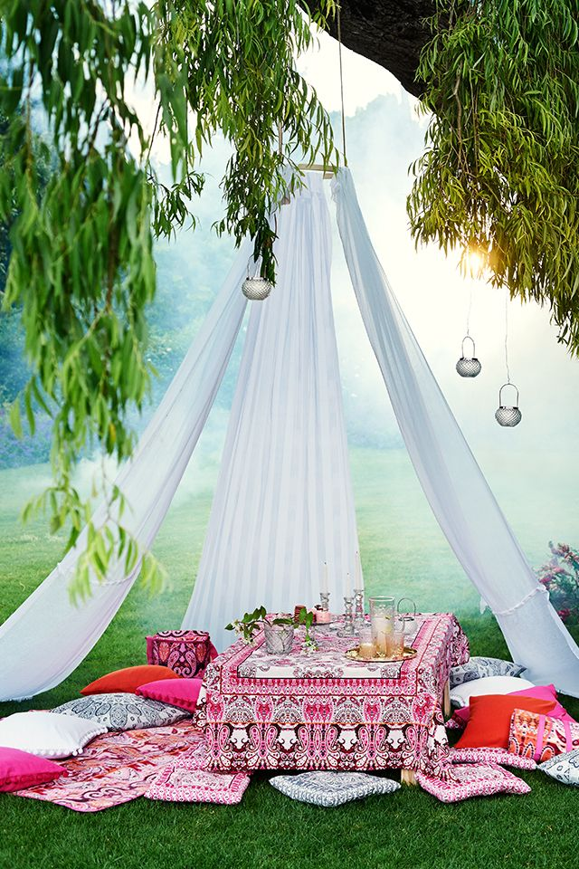H M Offers Fashion And Quality At The Best Price Dinner Party Summer Garden Party Bohemian Garden