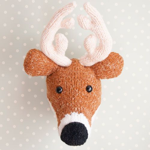 Coming to a wall near me soon... Sincerely Louise knitted Deer Head. Wishli...