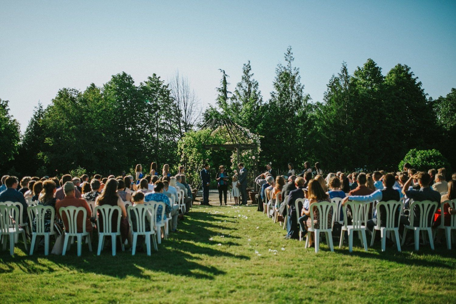 Daniel And Jeremy Had A Truly Enchanting And Magical Wedding At The Oregon Garden Resort In Silverton Oregon Wedding Travel Theme Wedding Southwest Wedding