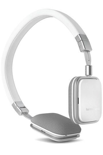 1b69024a573 10 Headphones to Listen to Rihanna's 'Anti' in That Don't Cost ...