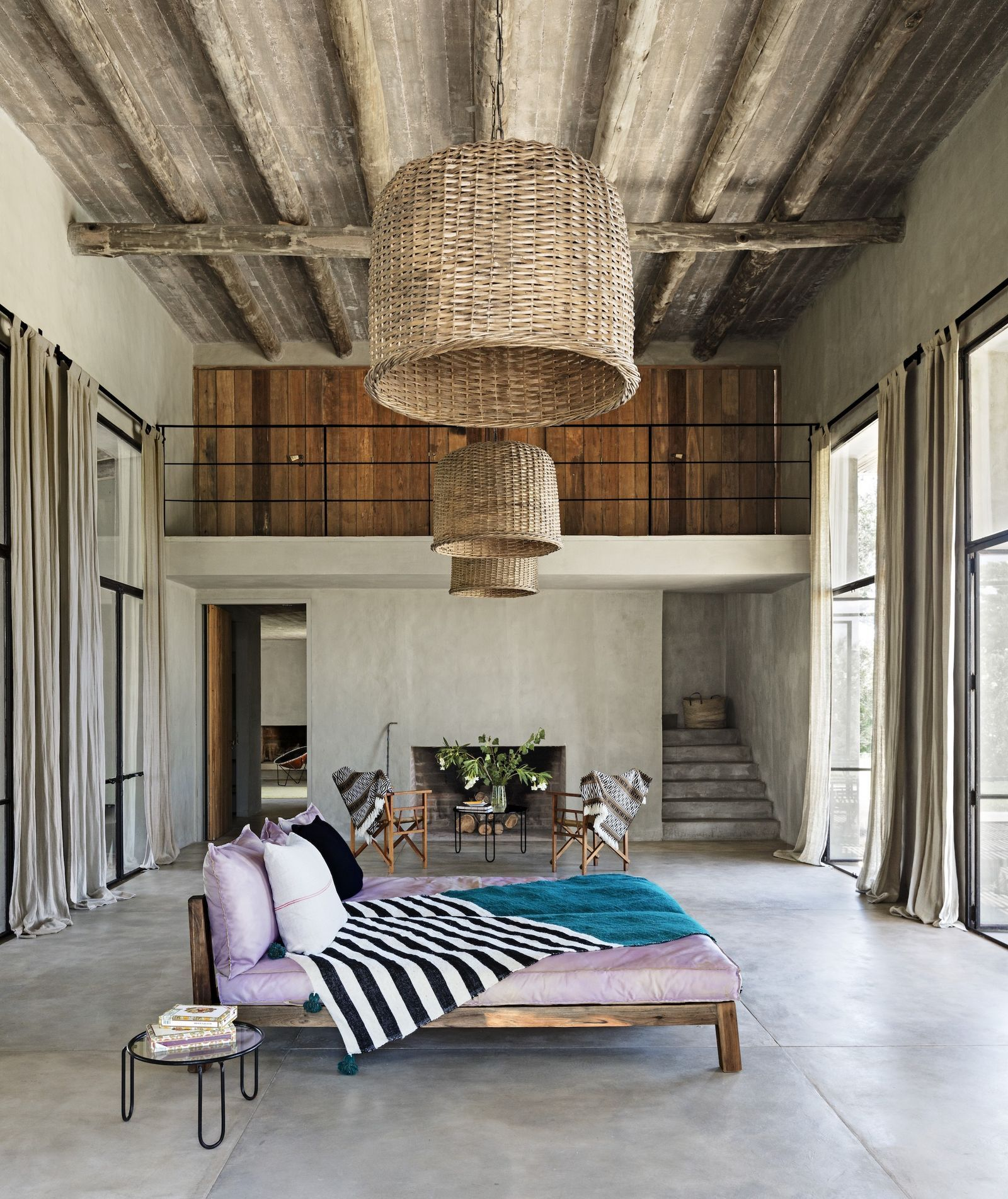 A Look Inside A Stunning Rustic And Modern Home In Uruguay In 2020 Beach House Interior Design House Interior Minimalist Living Room