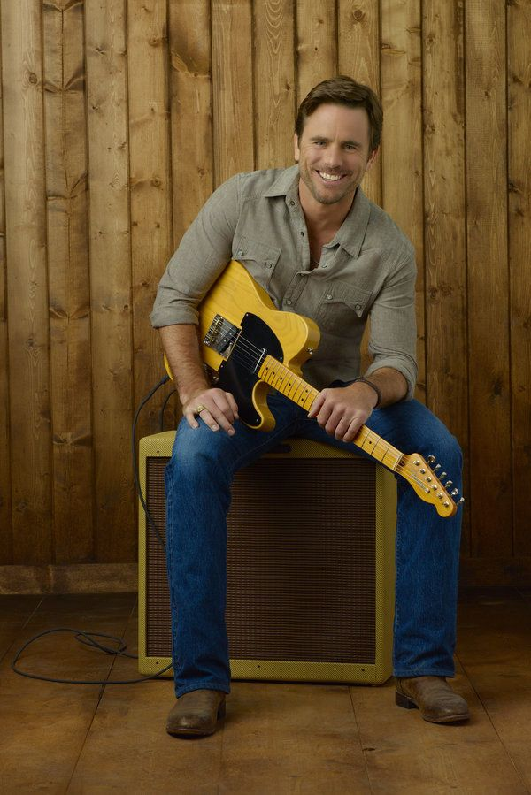Guys with Guitars: Deacon    Love this show (and him!) so much <3