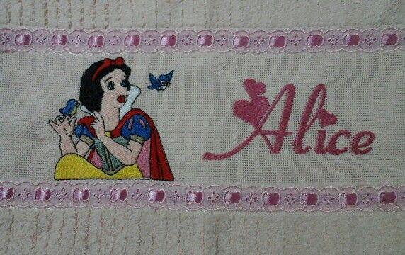 Toalha lavabo - Princesas