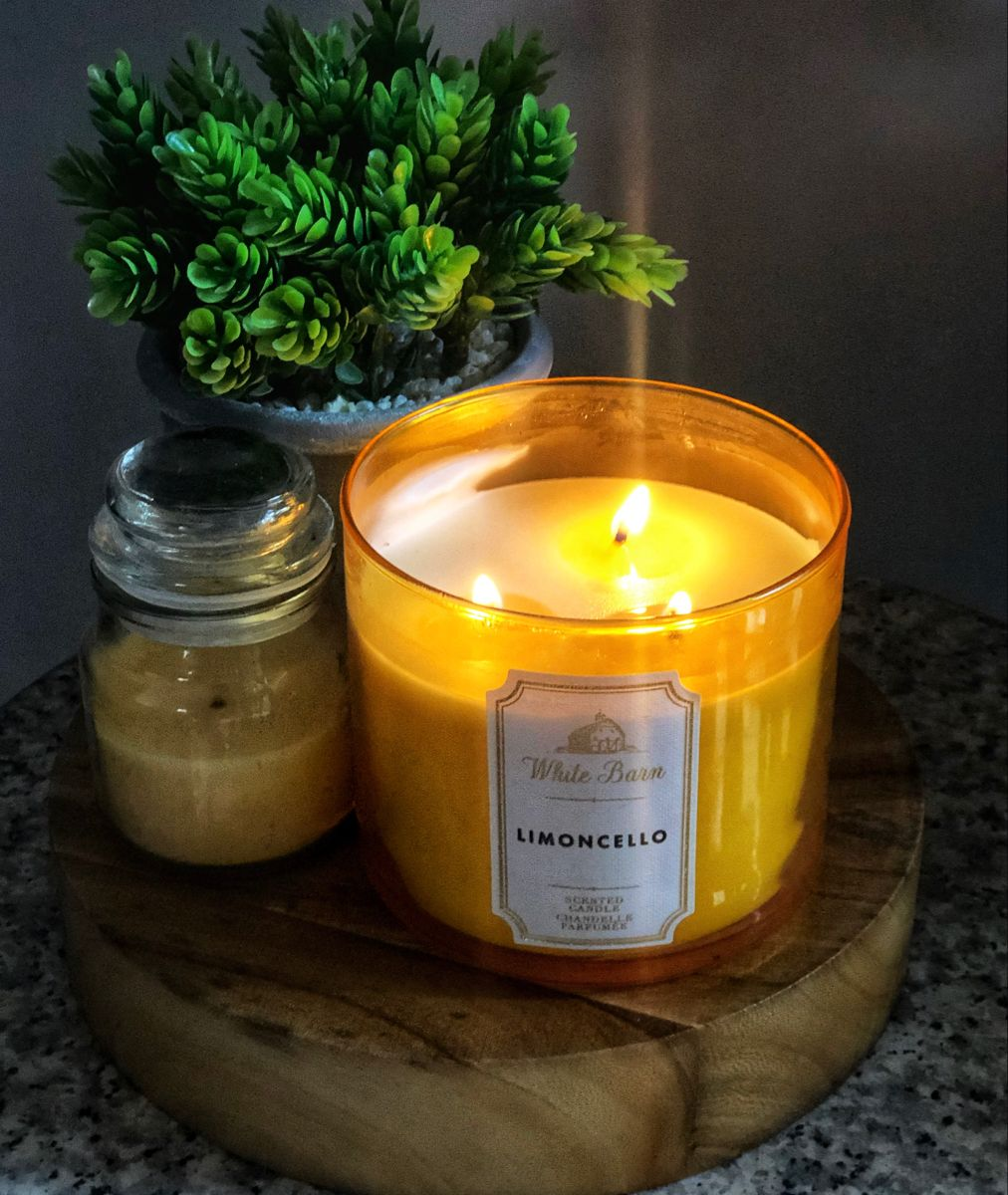 Black Chic Tin Handmade Soy Wax Luxury ROME CITRUS Scented Vegan Candle Gift for her