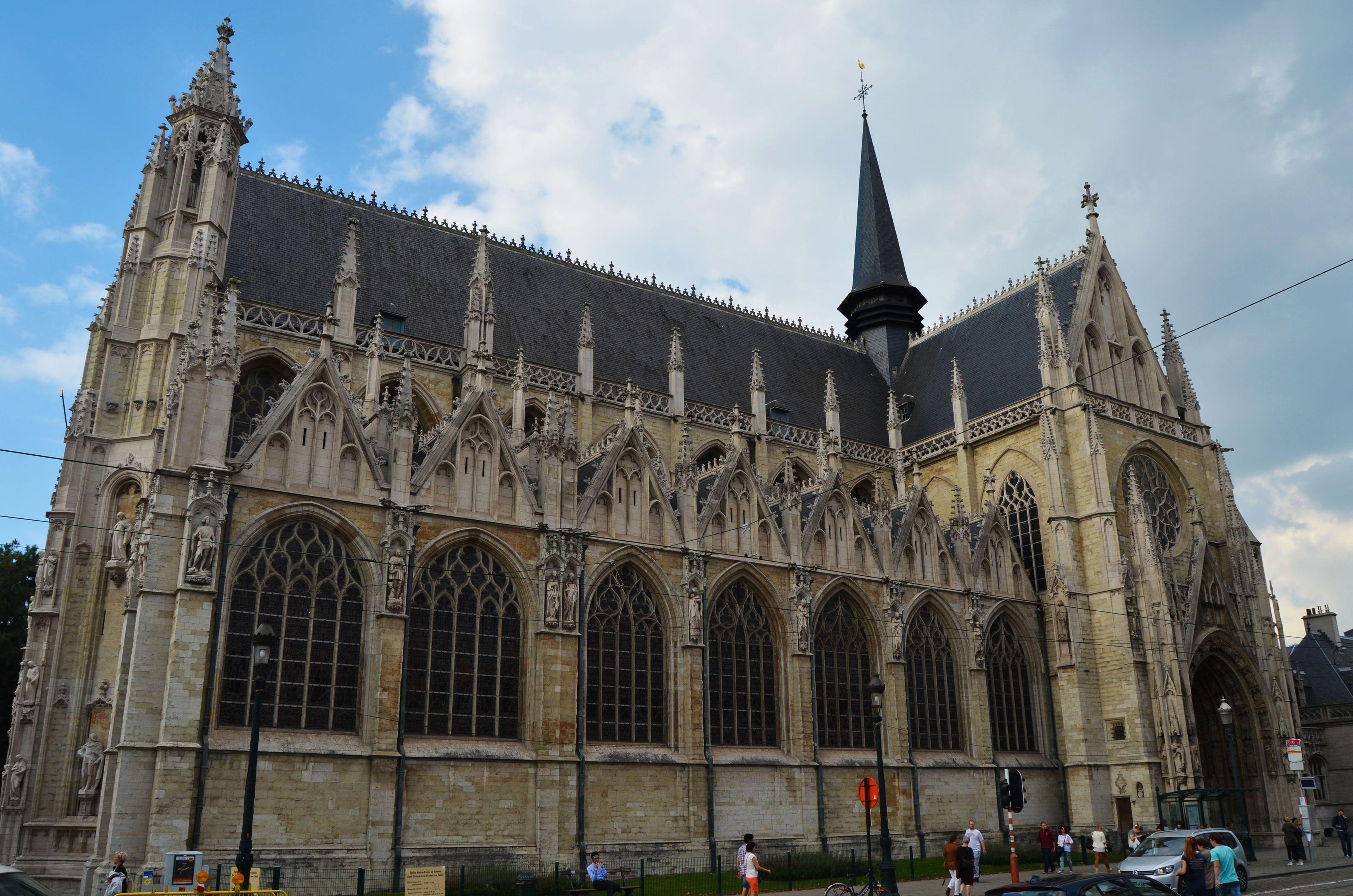 Iglesia de Notre Dame du Sablon, Bruselas, Bélgica