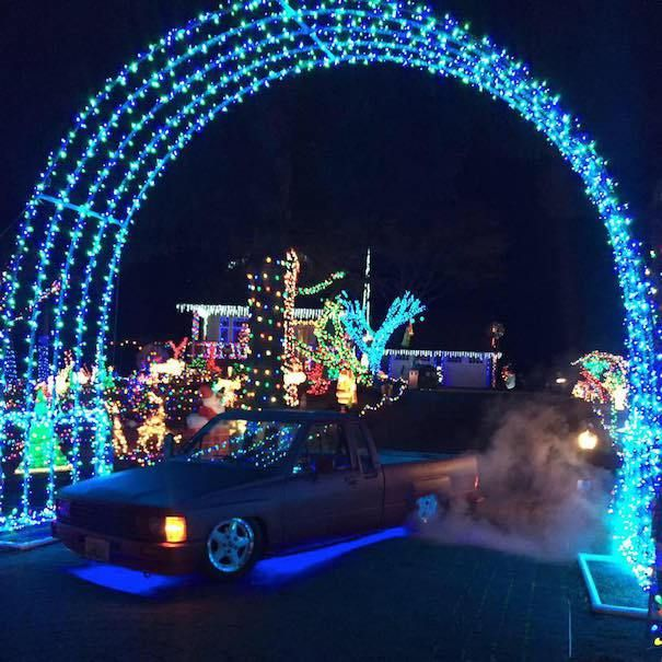 Christmas Lights For Camping.Light Up The Holidays At Seattle S Best Neighborhood