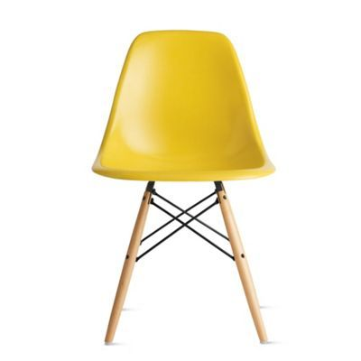 Eames® Molded Fiberglass DowelLeg Side Chair (DFSW) (med