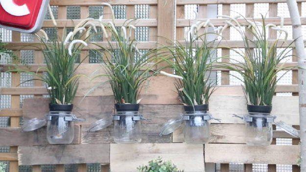 Une composition murale pour l ext rieur dans un esprit r cup diy r cup parement mural deco - Deco jardin fait main caen ...