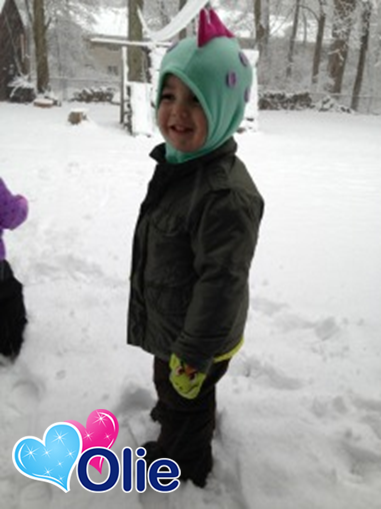 Fan Photo Friday: Thank you for this adorable fan photo, @Binx Baby! #olie #minkey #fanphoto #Friday #child #cute #fanlove