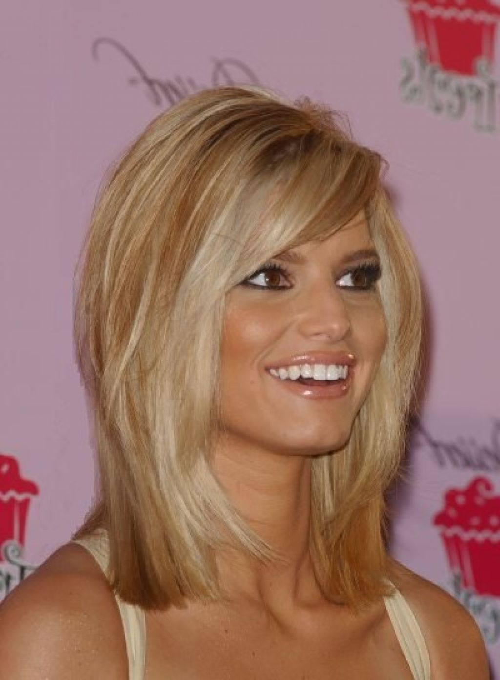 Choosing The Best Hairstyle For Your Face Women Bangs Hairstyles