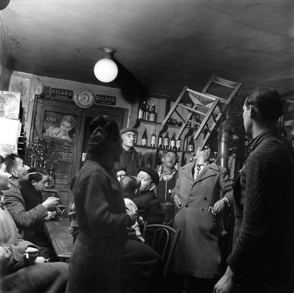 Robert Doisneau  Jeux de société rue Lacépède, Paris  1954