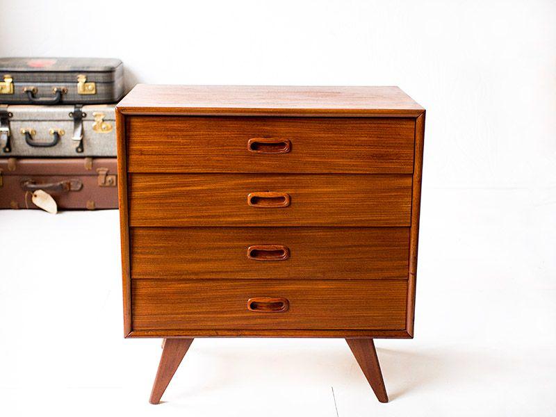 Vintage teakhouten ladekastje Deense stijl | Vintage Furniture Base