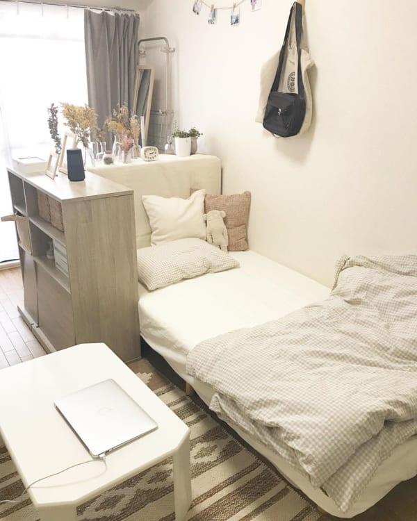 狭い部屋のインテリア実例に学ぶ おしゃれで暮らしやすいコーディネート術 Folk 部屋 インテリア 狭いリビング レイアウト インテリア 家具