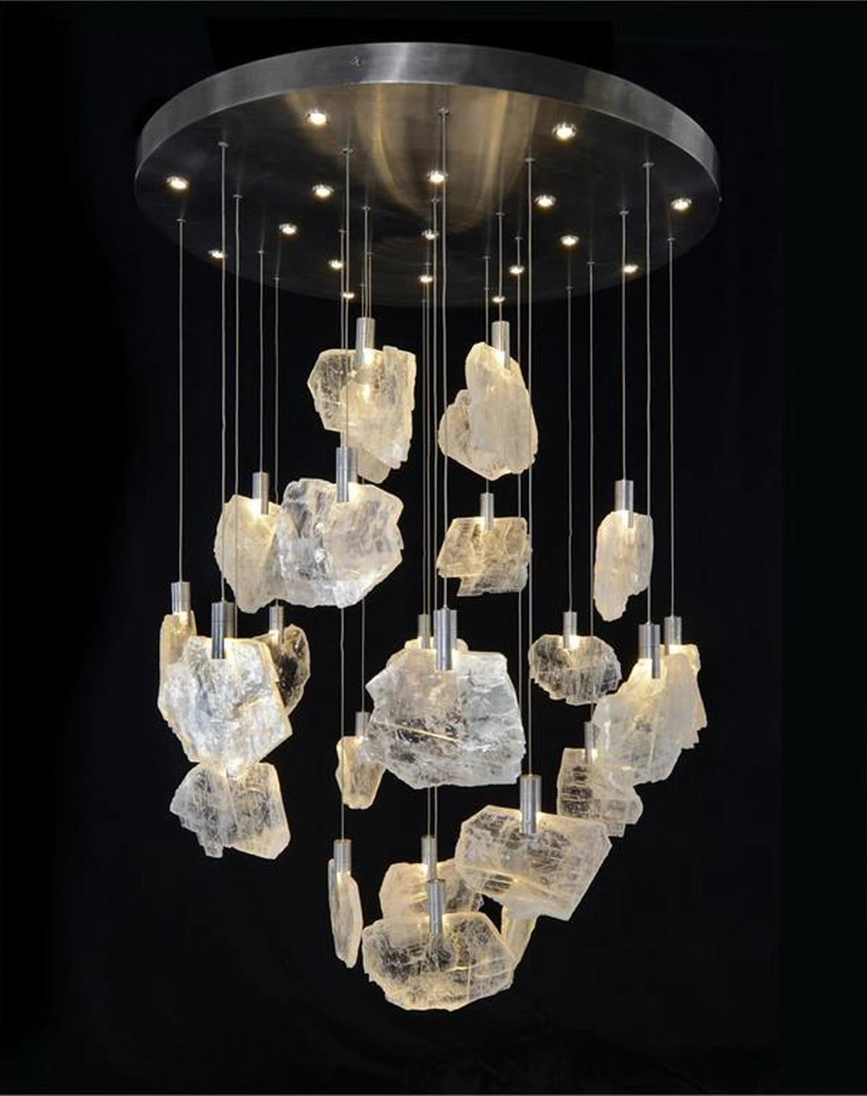 There Is No Rule For Choosing The Right Chandelier A Traditional
