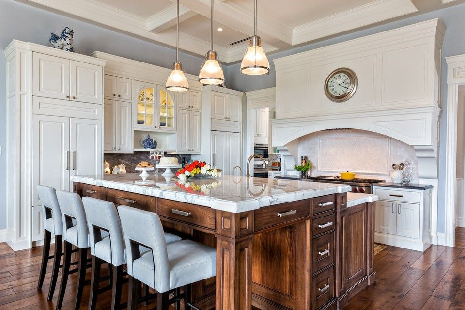 Two tone transitional kitchen Beres Design Group Kitchen Designs