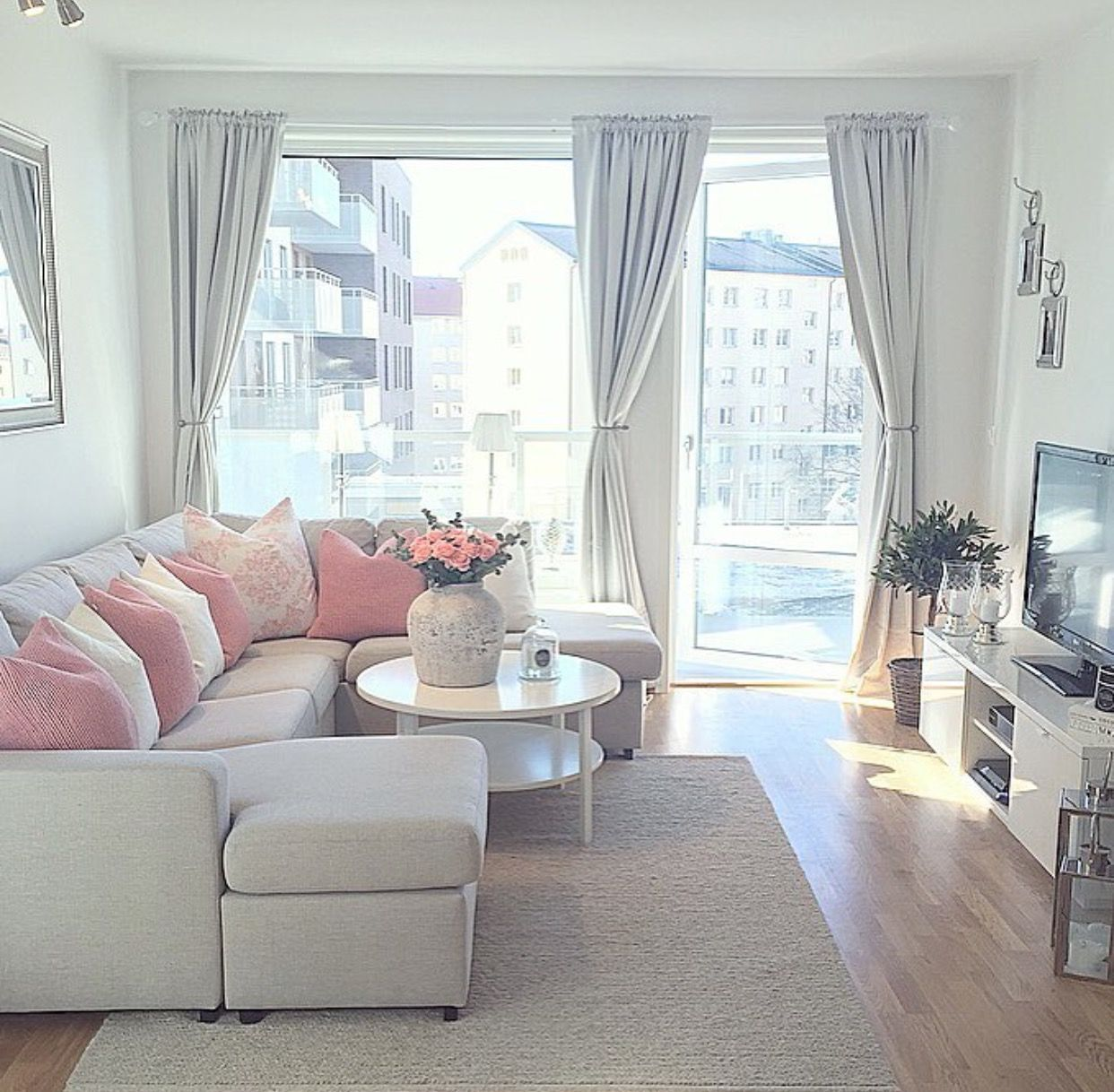 Pin by NGM Designs on Designing With Small Spaces | Pinterest ...