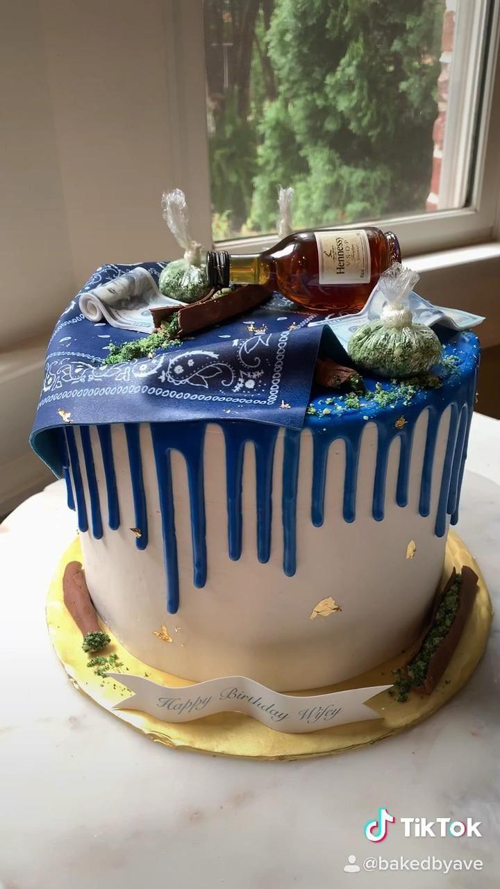 50 Vodka Cake Design Images Cake Gateau Ideas 2020 Vozeli Com