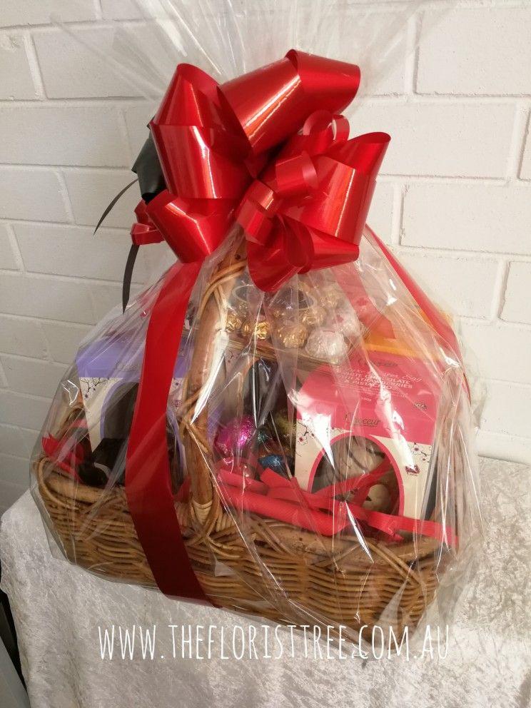 Easter basket Easter baskets, Gift wrapping, Shop design
