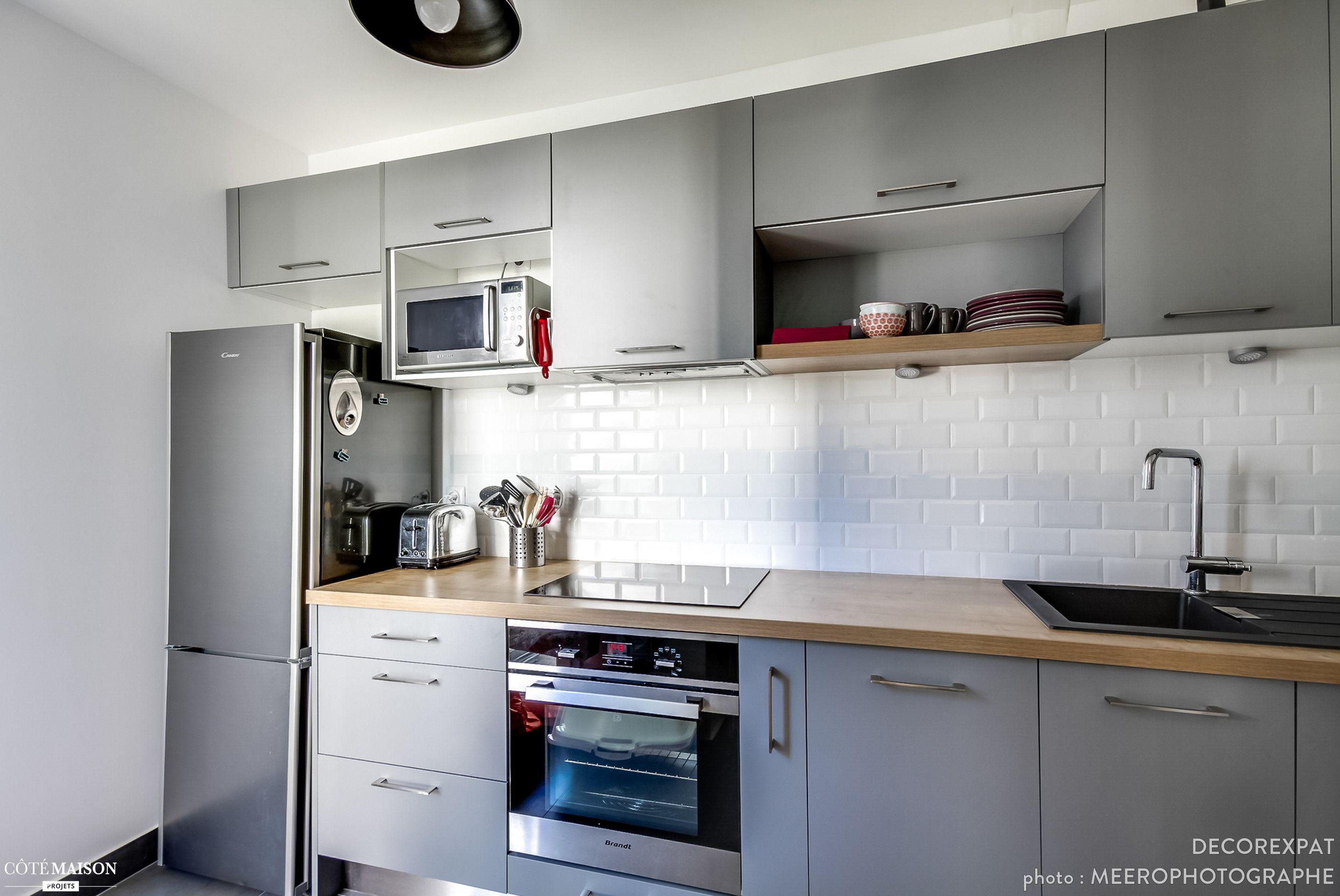 r novation d 39 un appartement moderne decorexpat c t maison compl te r novation de la cuisine. Black Bedroom Furniture Sets. Home Design Ideas