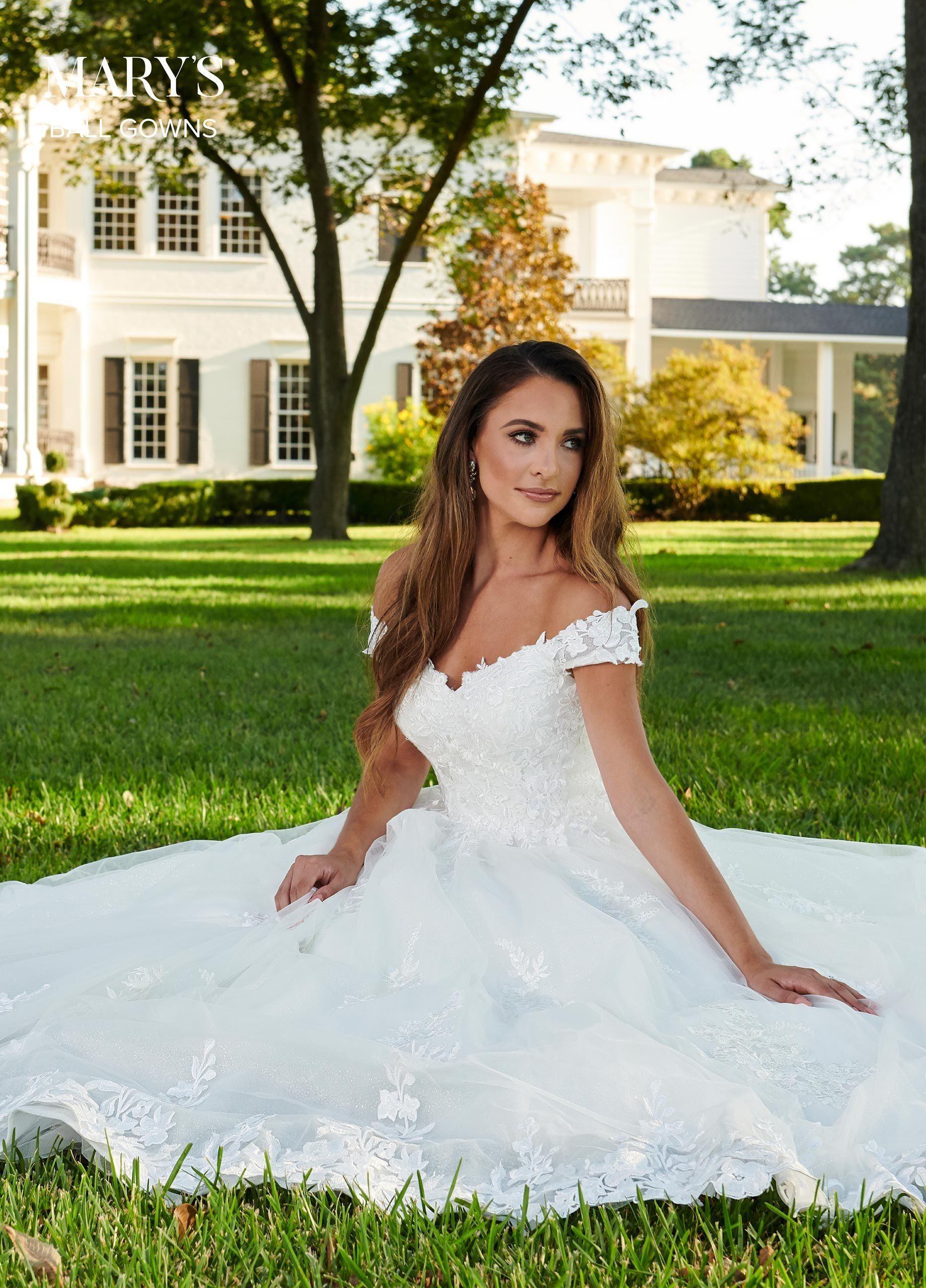 Robe de mariée à épaules dénudées par Mary's Bridal MB6064 – 16 / blanc   – Products