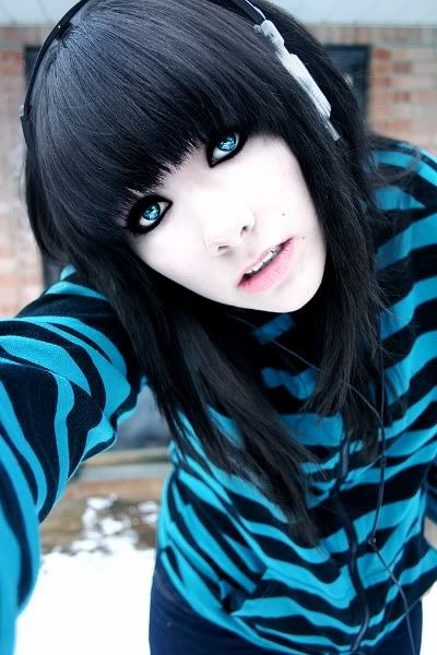 Kali To Start Dark Hair Blue Eyes Pale Skin Black Hair Blue