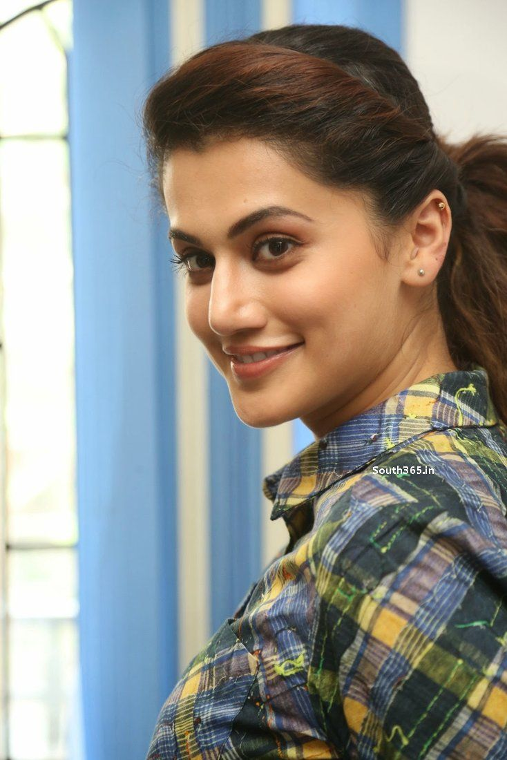 Hot Is a cute Taapsee Pannu naked photo 2017