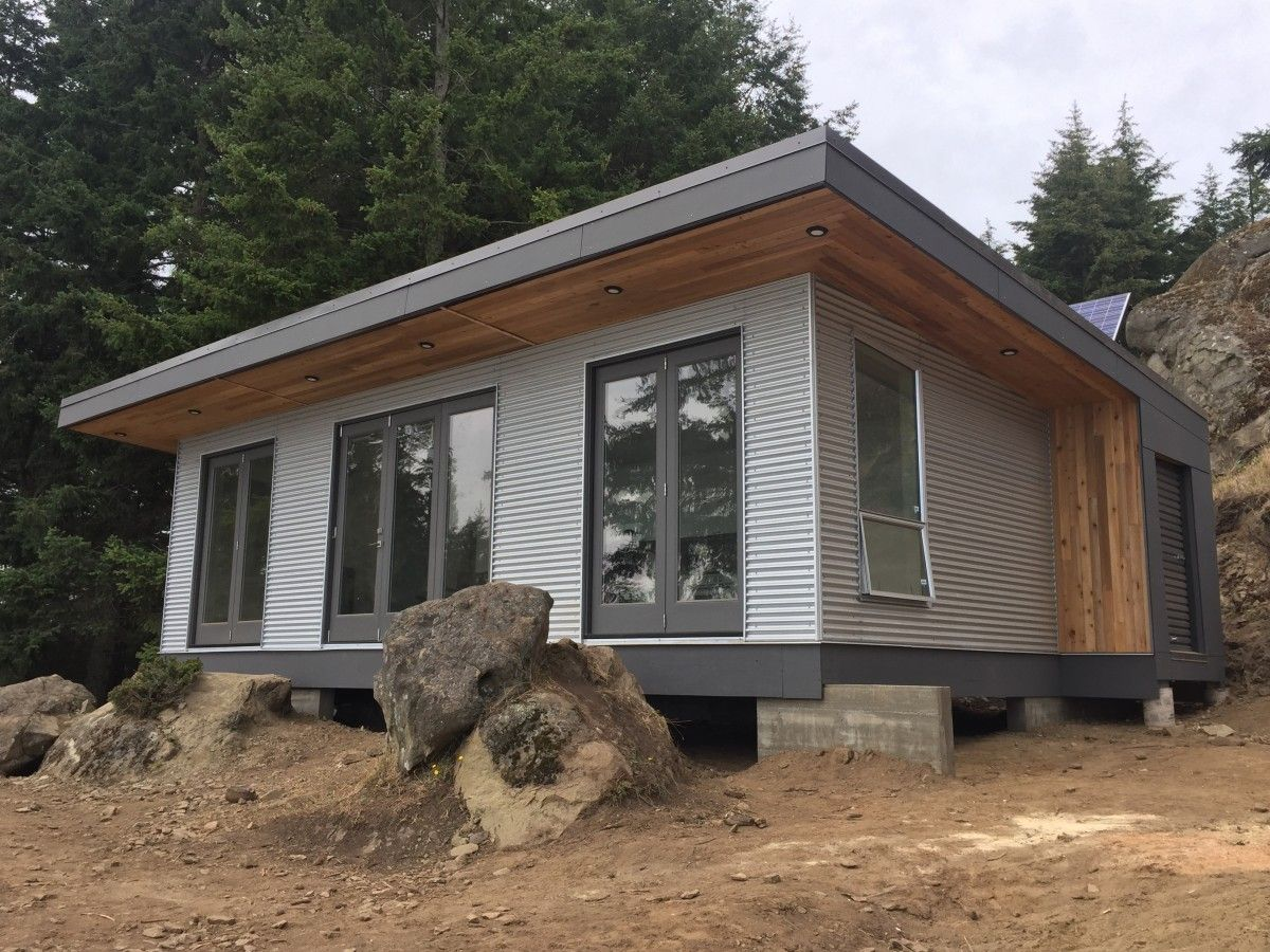 the desolation sound cabin a modern off grid and modular. Black Bedroom Furniture Sets. Home Design Ideas