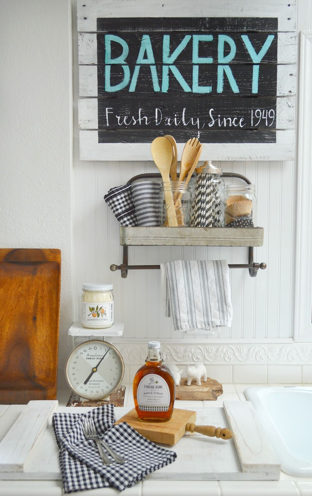 Pallet Wood Wall Art farmhouse kitchen vintage wood bakery sign | cottages, farmhouse