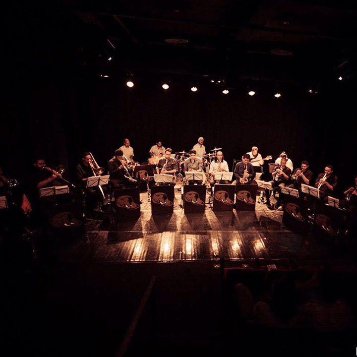 Jurufrevo Orquestra no Teatro Commune