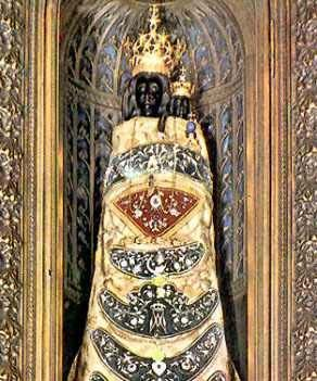 10 De Diciembre Traslación Milagrosa De La Santa Casa De Nazaret A Loreto 1294 Loreto Nazaret Santa Teresita De Lisieux
