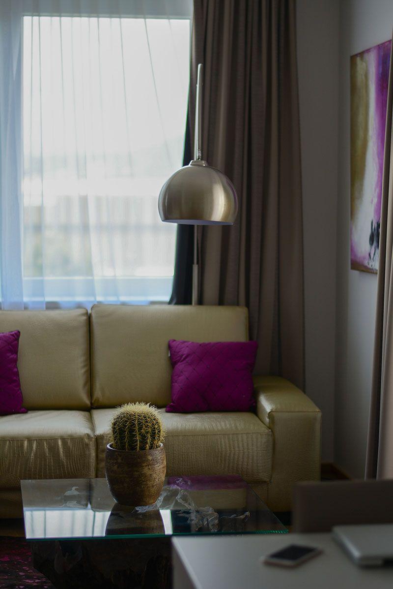 Erst vor wenigen Tagen durfte ich eben dieses bei Amedia Luxury Suites in Graz testen – und ich bin überzeugt. Vom Bett, der Gemütlichkeit und dem Wohlfühlfaktor.