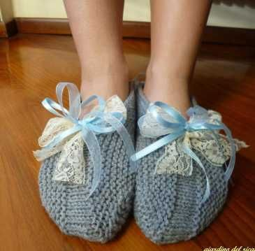 http://lamagliadimarica.com/category/accessorii/pantofole/