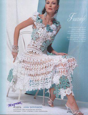 Edivana Croche: Vestido lindíssimo Branco e Azul