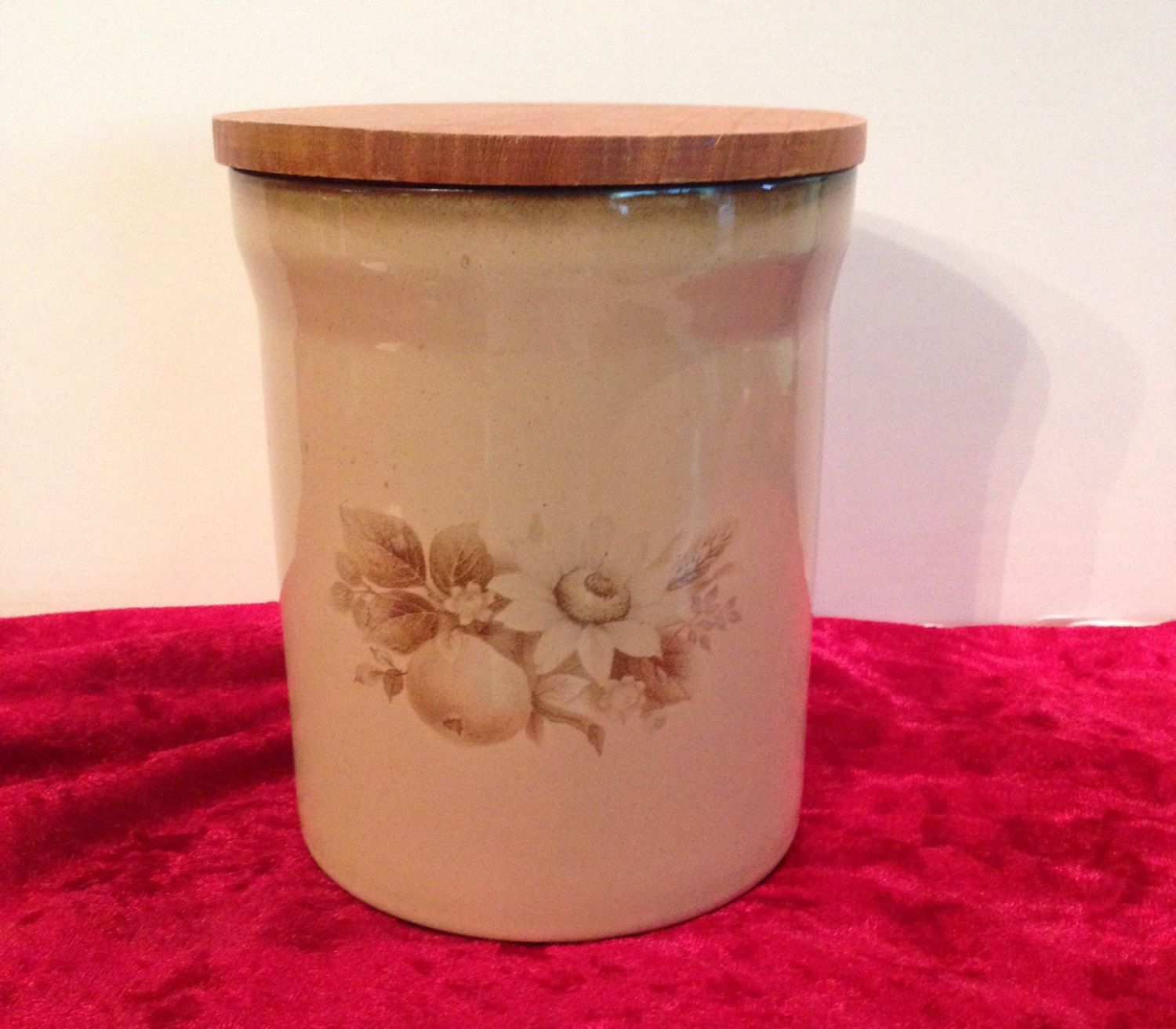 Denby Fine Stoneware Handcrafted Crock With Wooden Lid English Pottery Container England Housewares Decor Storage Jar