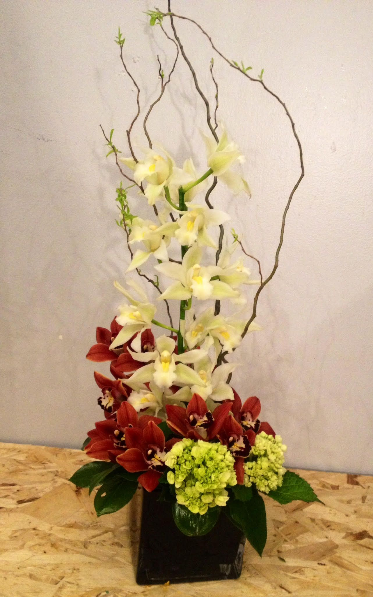 office floral arrangements. Only For Connoisseurs - A Perfect Floral Creation! #flowers #fresh # Arrangement Office Arrangements M