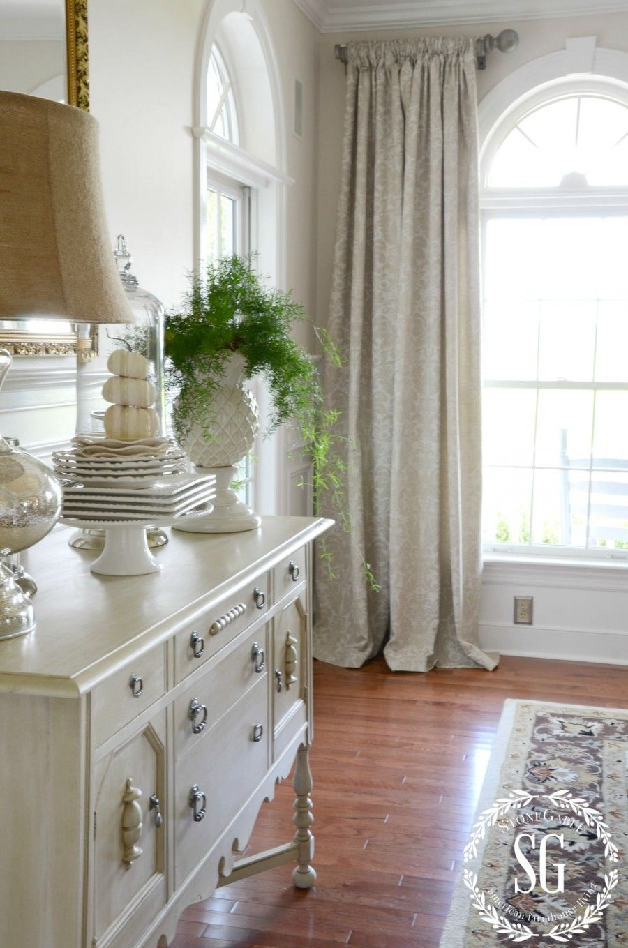 Beautiful First Home Decorating Ideas On A Budget: Beautiful Dining Rooms, Dining Room Windows, Dining Room