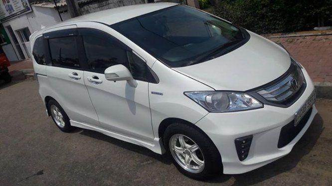 Car Honda Freed For Sale Sri Lanka 1st Owner X2f Air Condition X2f Power Steering Air Bag X2f Power Shutter X2f Power M Car Honda Buy And Sell Cars