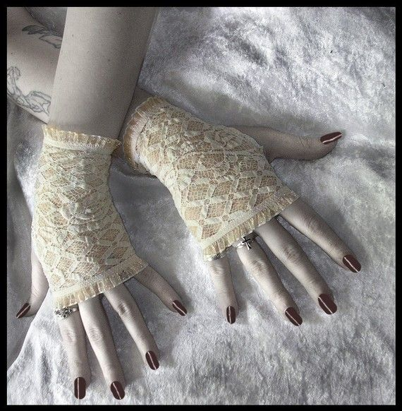 Spirit Softly Lace Fingerless Gloves Ivory by ZenAndCoffee