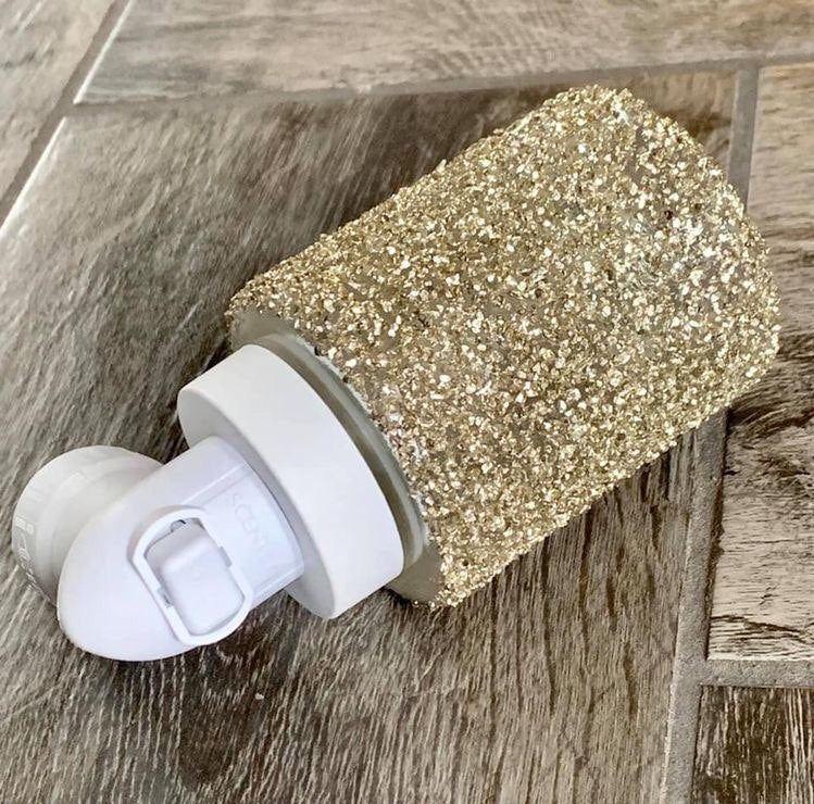 Brand new glitter gold scentsy plug in comes with box