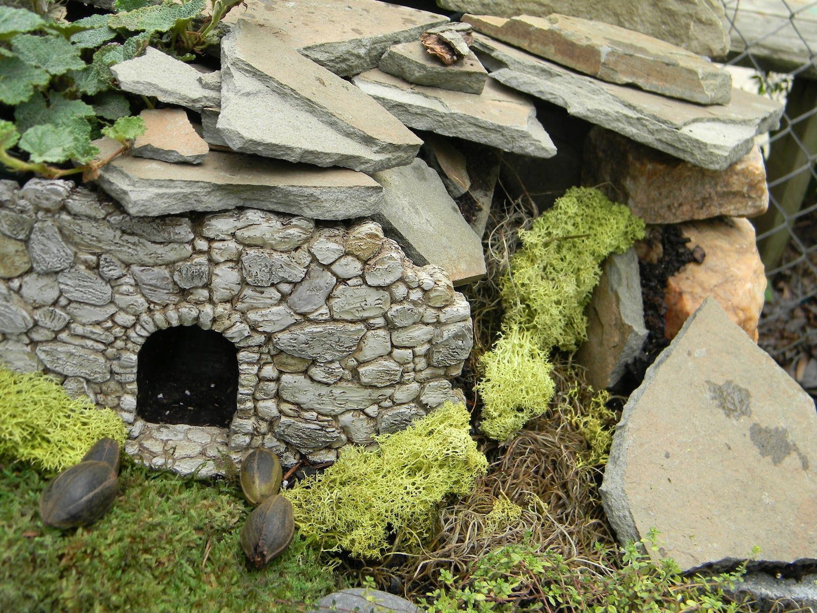 House on the rock flickr photo sharing - Fairy House Craft Another Fairy House Flickr Photo Sharing Description From Pinterest