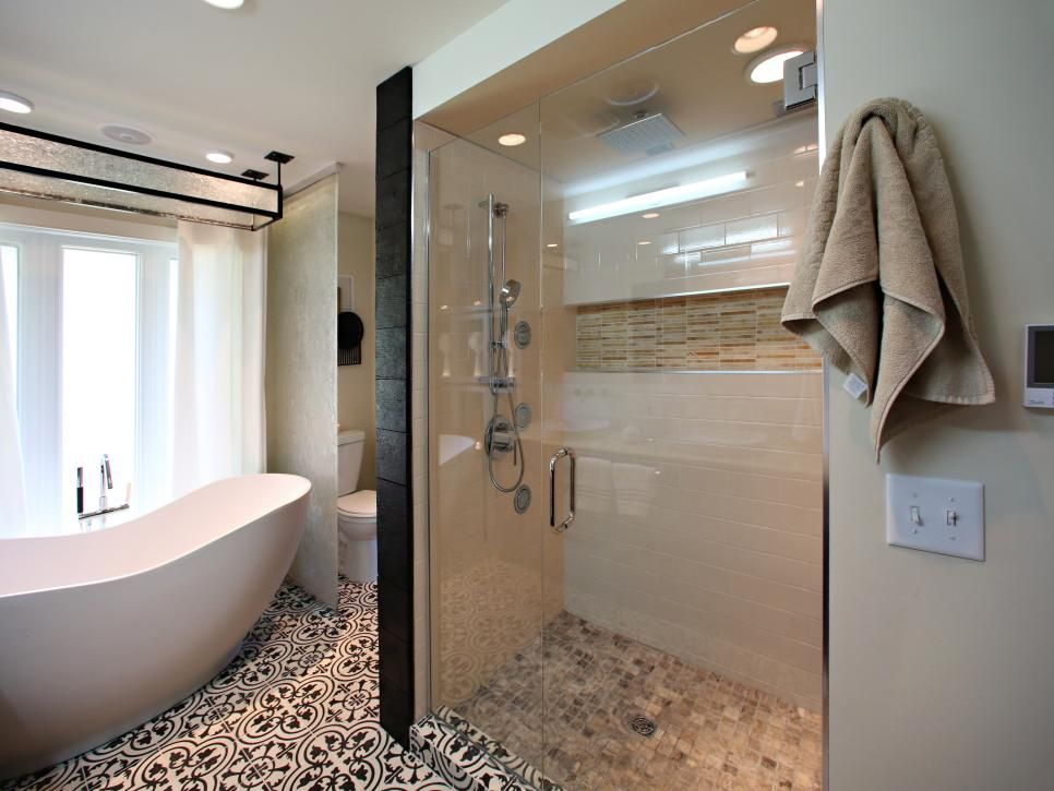 Amazing Tubs And Showers Seen On Bath Crashers Diy With Images
