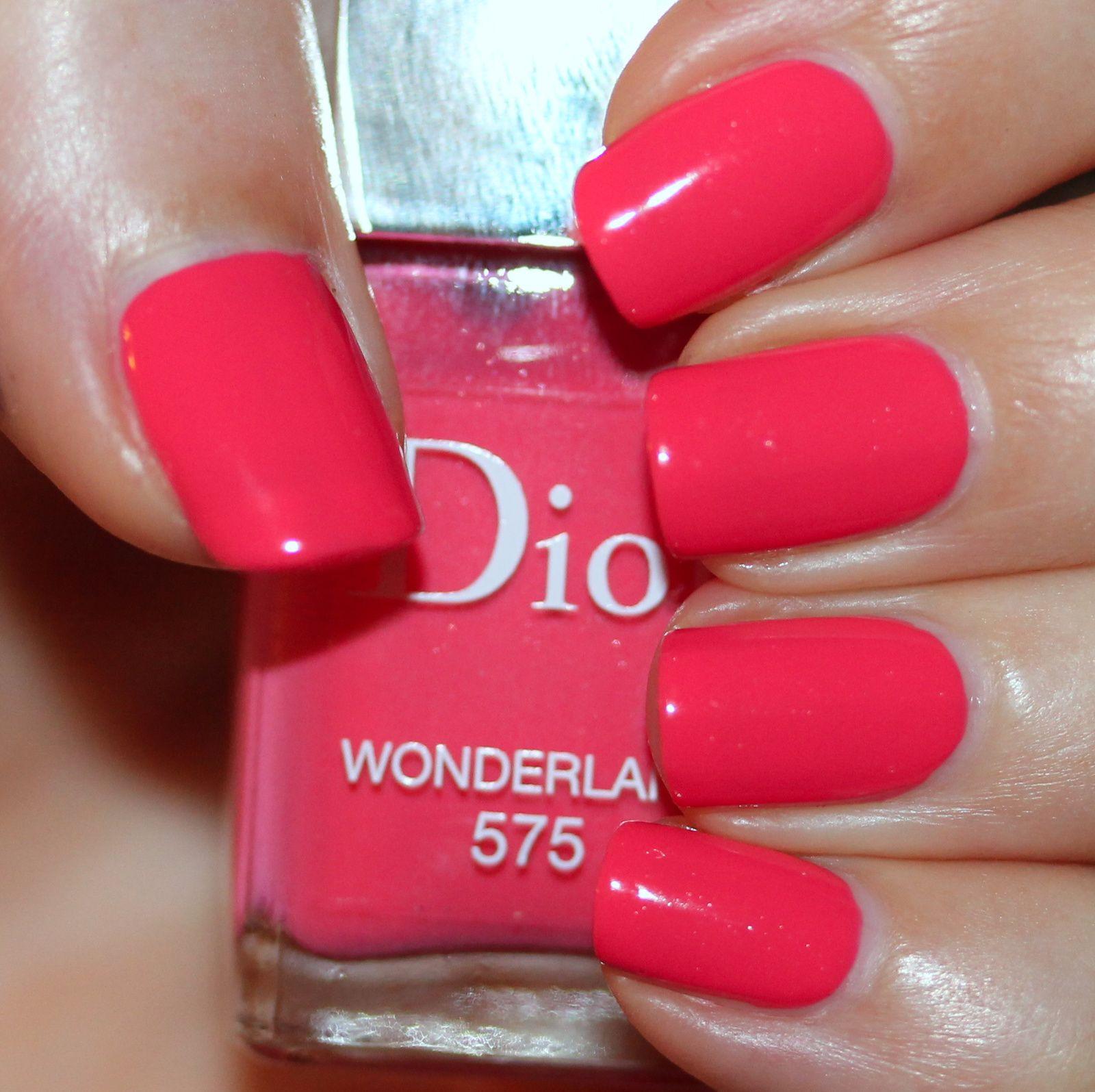 Dior Wonderland | Dior and Cas