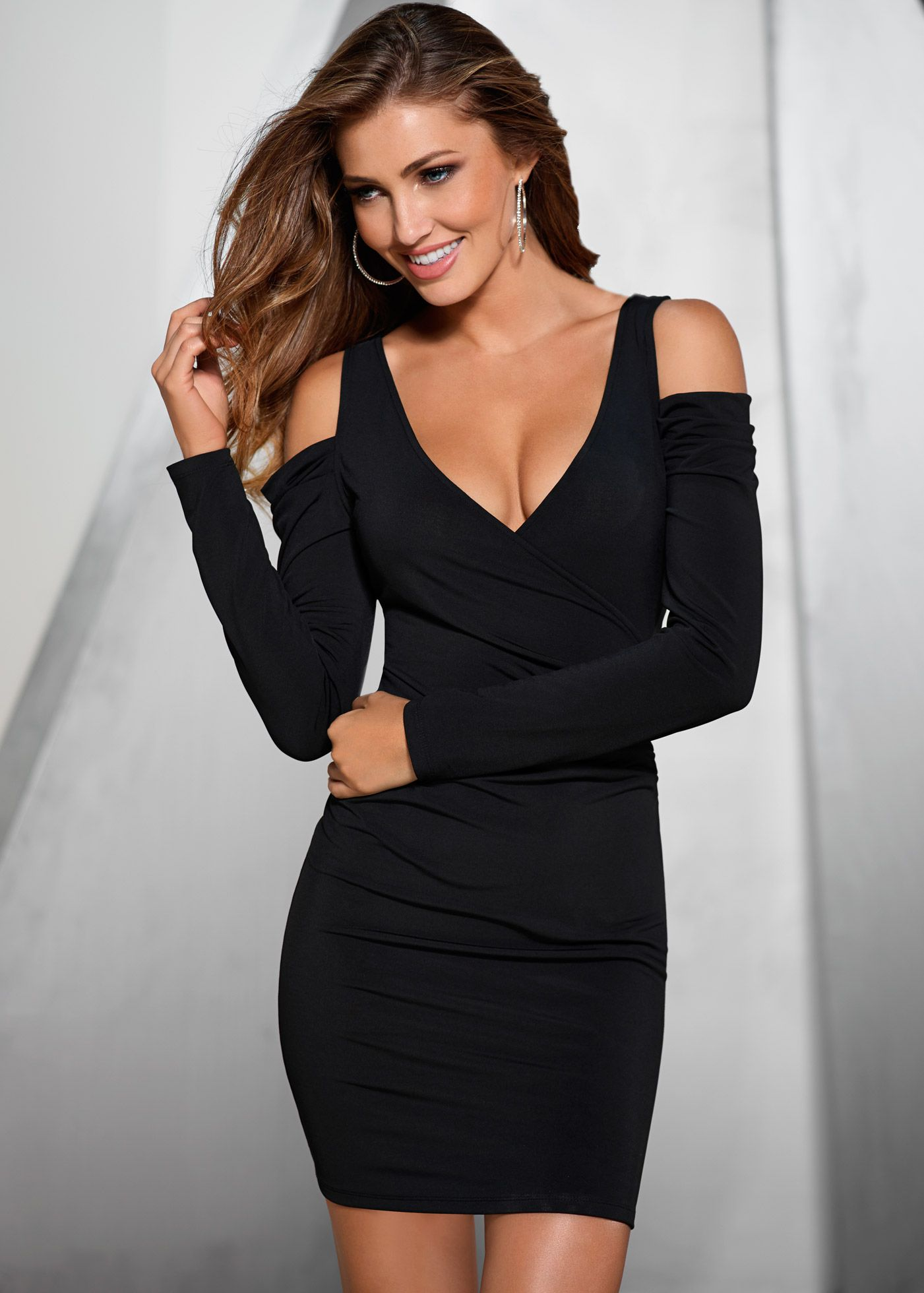 Kleid im Casual-Chic Style | Boutique, Woman and Black