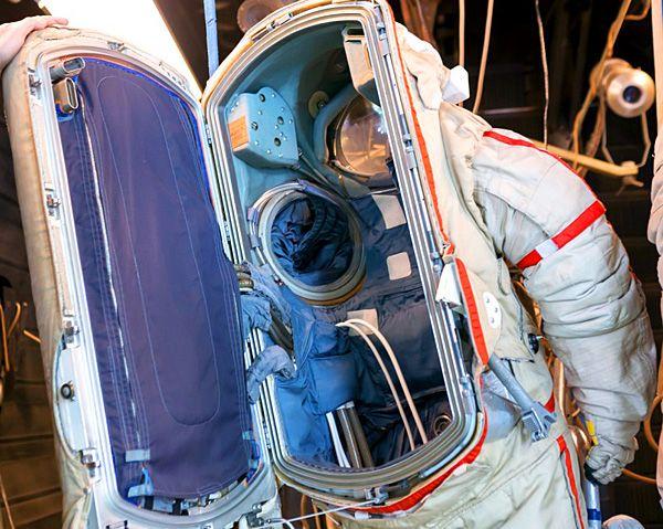 Space Suits - Atomic Rockets | Space suit, Space art, Rocket
