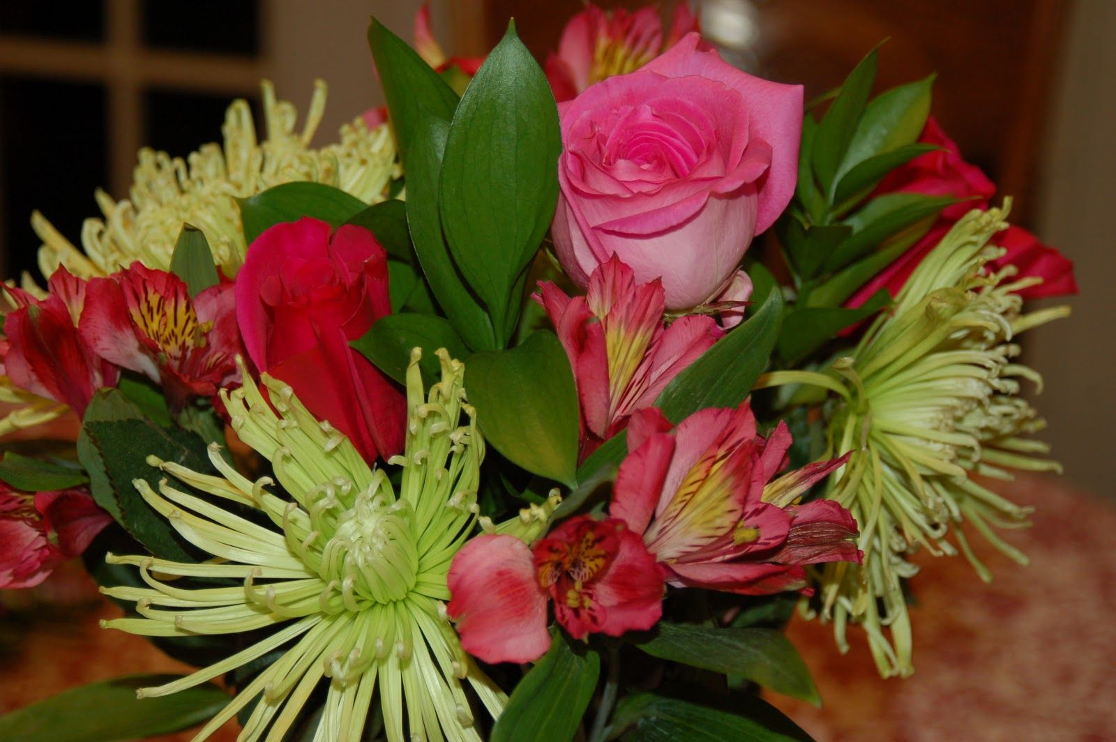 Send Happiness to your Dearest one with a bunch of flowers