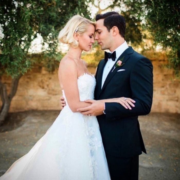 Anna Camp On Her Favorite Moment From Her Wedding To Skylar Astin And Their Best Wedding Advice Anna Camp Anna Camp Wedding Celebrity Weddings