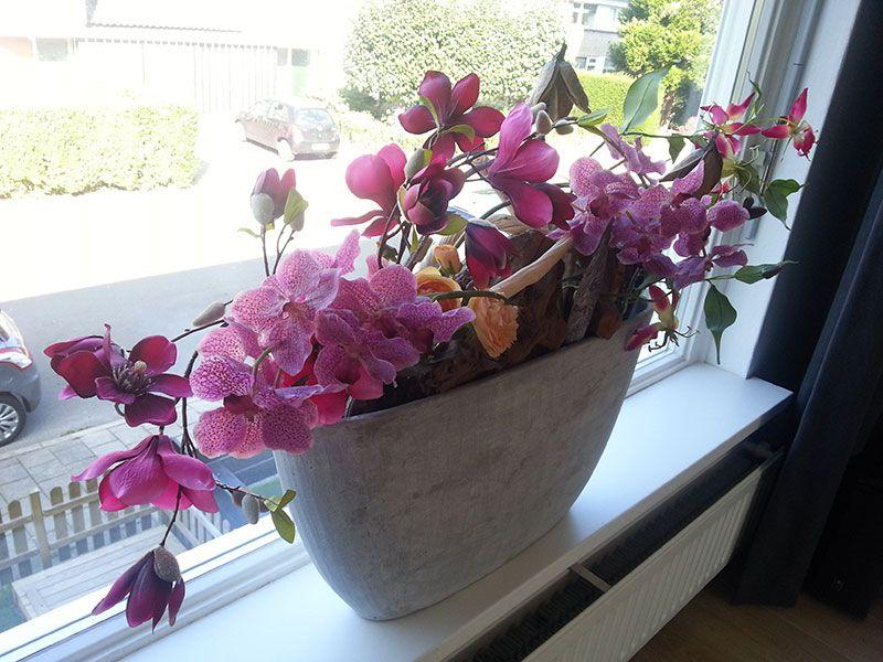 Als je verder niet veel plek in huis hebt voor bloemen en een druk leven vensterbank decoratie - Decoratie eenvoudig voor het leven ...