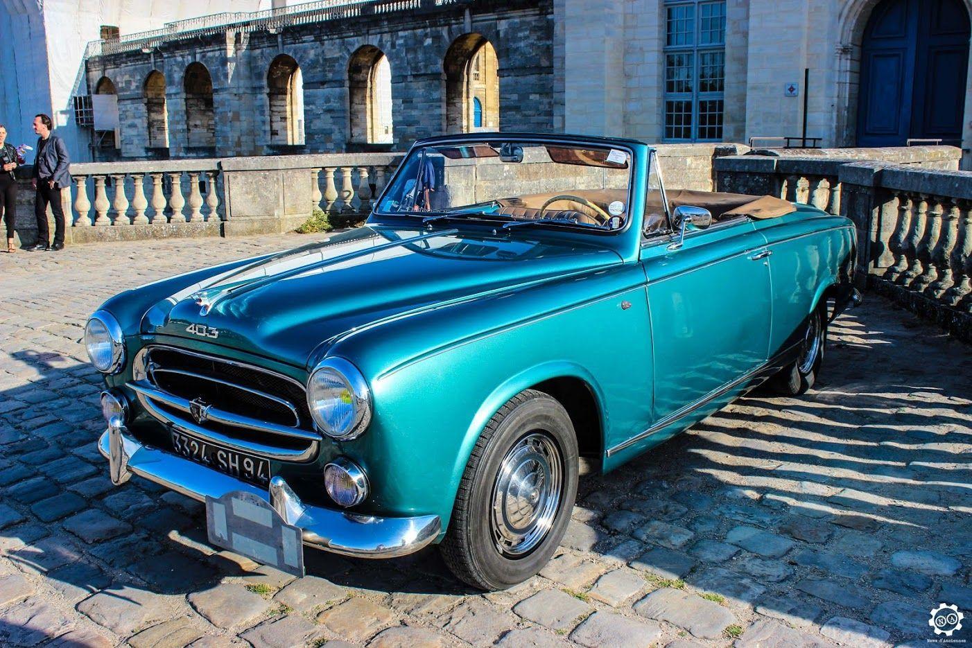 #Peugeot #403 #Cabriolet à la Traversée de #Paris en #Voitures #Anciennes #TdP2015 Article original : http://newsdanciennes.com/2015/08/03/grand-format-news-danciennes-a-la-traversee-de-paris-2/ #Cars #Vintage