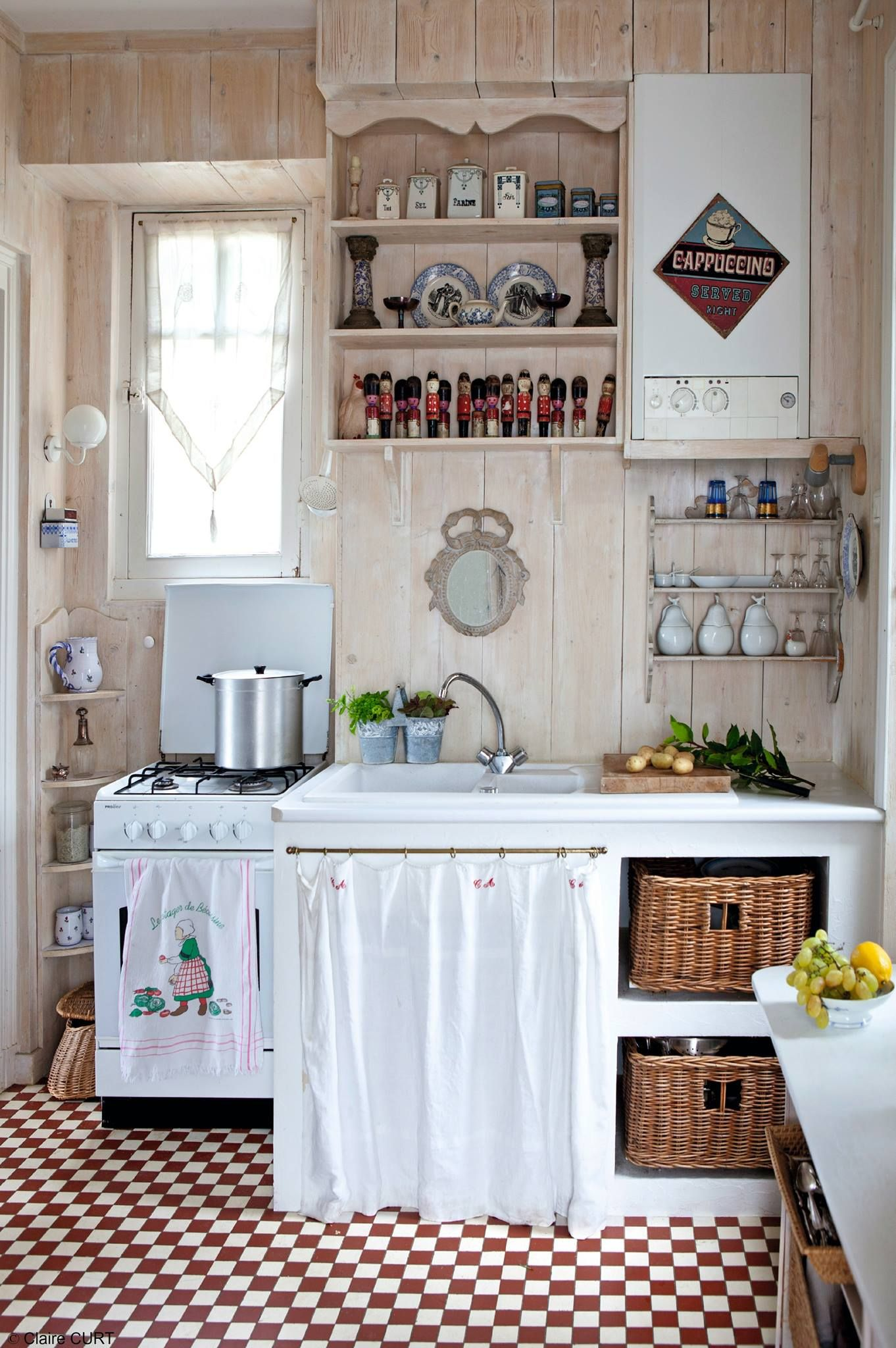d coration campagnarde avec le sol carrel en rouge et blanc deco campagne cuisines id es. Black Bedroom Furniture Sets. Home Design Ideas