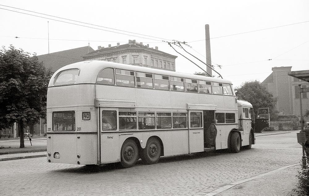 1961 Ost-Berliner O-Bus m Robert-Koch-Platz | Oldtimer bus ...